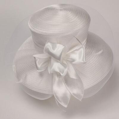Pirouette Hat by Davianna