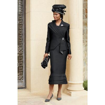 Lady in Style Suit by Lisa Rene™