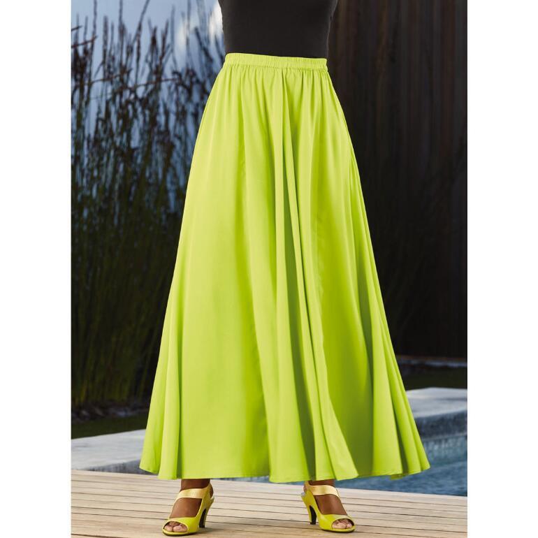 Essential Solid 5-Yard Maxi Skirt by Studio EY
