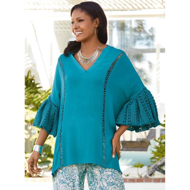 Dramatique Crochet-Sleeve Tunic by Velzera