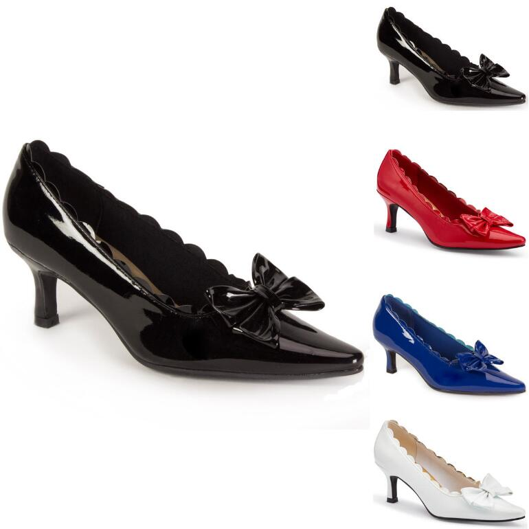 Scallop 'n' Bow Pump by EY Boutique