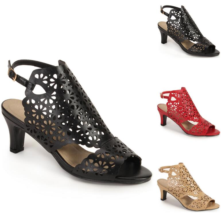Laser Daisy Ankle Strap by EY Boutique